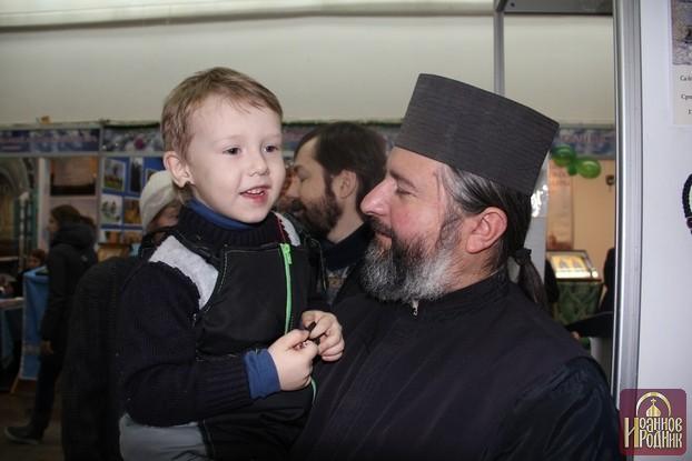 Фотогалерея Иоаннов Родник паломническая служба на выставке Рождество Христово, Минск 2012-2013 г